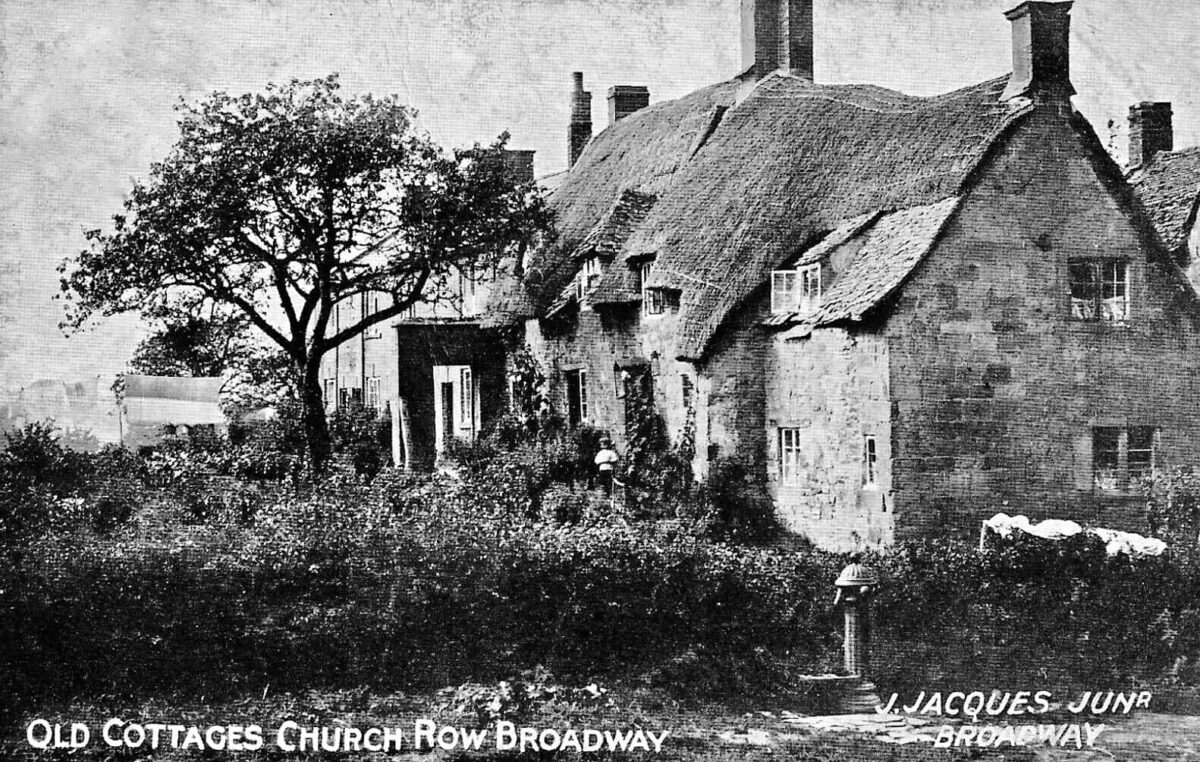 Old Cottages Church Row Broadway Worcs 1911