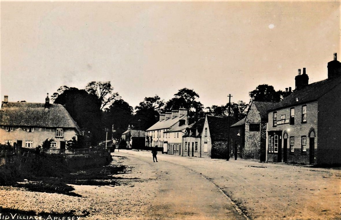 Arlesey village with Rose and Crown public house c. 1916